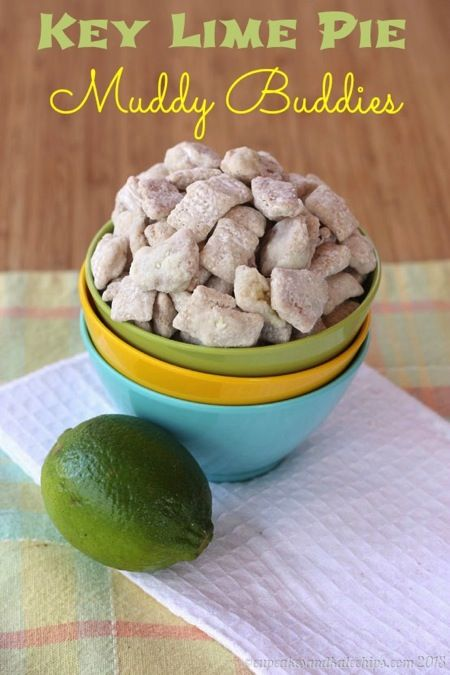 Key Lime Pie Muddy Buddies - you love this citrus flavored version of the traditional puppy chow recipe | cupcakesandkalechips.com