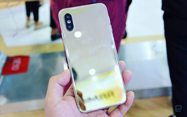 El clone del iPhone X de Hotwav.  El Hotwav Symbol S3 es un smartphone basado en Android O (8.0) que no sólo destaca por utilizar la última versión del sistema operativo móvil de Google sino que además es un clon del iPhone X de Apple.  La imágen de hoy habla por sí sola. Es cierto que hay pequeños detalles en los bordes horizontales que diferencian a ambos terminales pero salvando ese pequeño detalle el diseño del Hotwav Symbol S3 es un calco del dispositivo top de Apple.  A pesar del…
