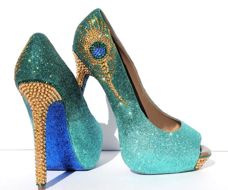 The unforgettable and unmistakable crystal peacock feather that catches attention immediately when it is seen on these elegant shoes. The Jade Green ombre colored glitter sets off the top of the heels