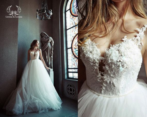 Ball gown wedding dress. Tulle wedding dress. by DressesLioness