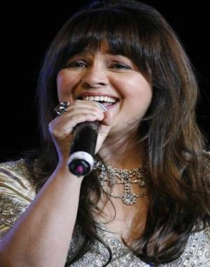 Alisha Chinai to croon for Priyanka in sequel of Krrish!