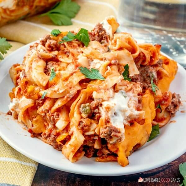 Beefy Sour Cream Noodle Bake Recipe In 2020 Sour Cream Noodle Bake Healthy Beef Recipes Beef Recipes