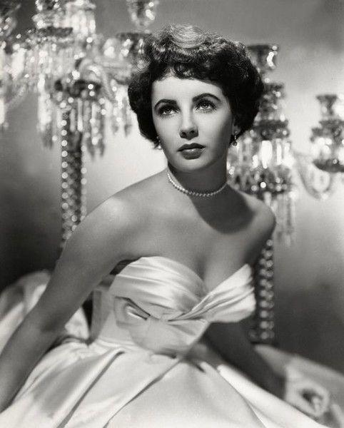 Elizabeth Taylor in Ivory Satin - Old Hollywood Style Inspiration - Photos