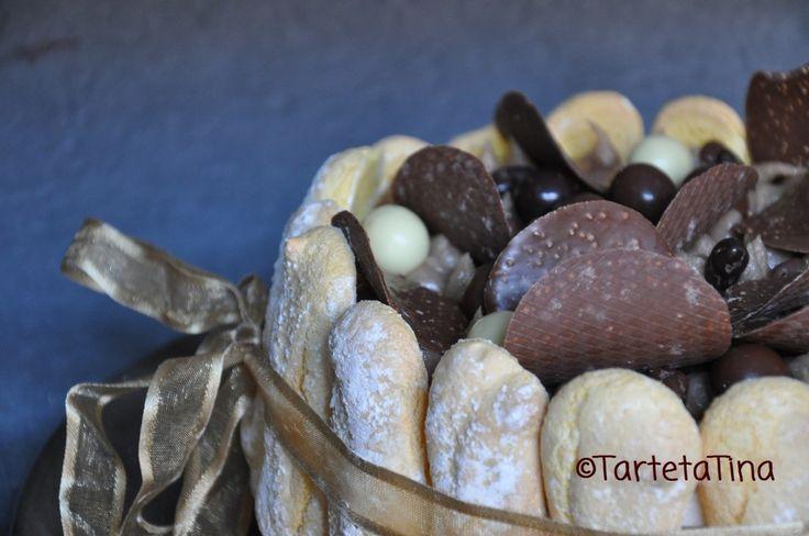 Charlotte alla vaniglia con pere e crema di marroni