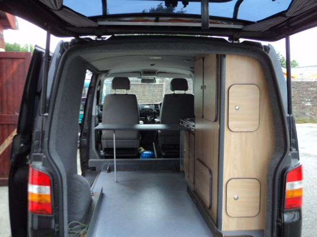 Camper or campervan conversion unit vw t4 t5 renault for Vw t4 interior designs