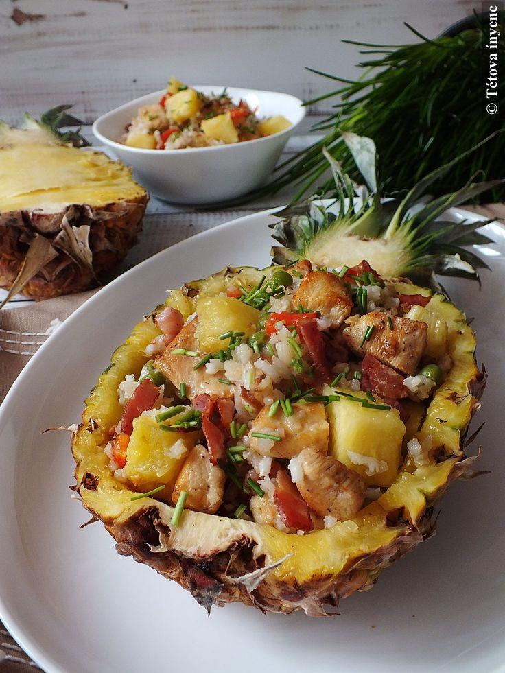 Hozzávalók: 1 nagy vagy 2 kis ananász olaj 3 szál újhagyma 10 dkg bacon 1 nagy csirkemell 1 paprika 4 evőkanál zöldborsó 8 evőkanál rizs só, bors...