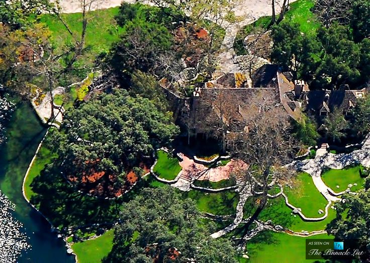 aerial view of michael jacksons neverland valley ranch