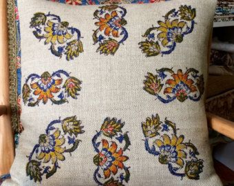 Block printing cushion with flowers designer ,very good for gift & amazing decorative pillows in your sofa.