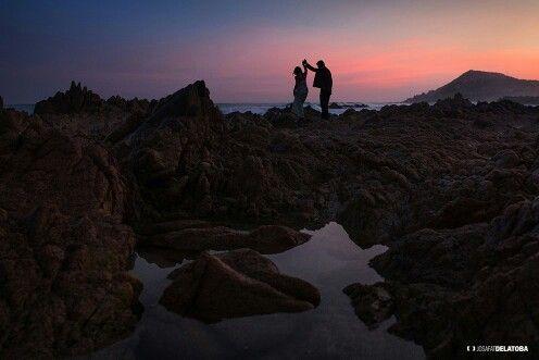 Create the moment. Capture the moment. #weddingphotgraphy #destinationwedding #cabosanlucas #josafatdelatoba #cabophotographer #weddingsinloscabos #caboweddings
