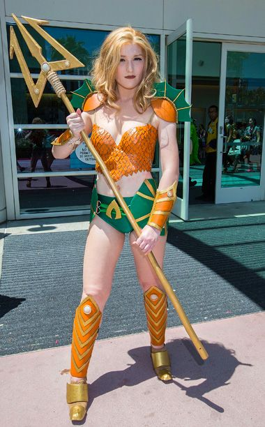 Comic-Con 2015: Costumes you HAVE to see | RULE 63 AQUAMAN | EW.com
