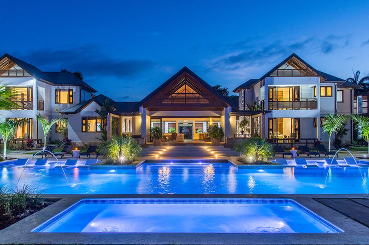 Property in Jamaica, with 7 Bedrooms and a pool. Browse more photos and read the latest reviews now.