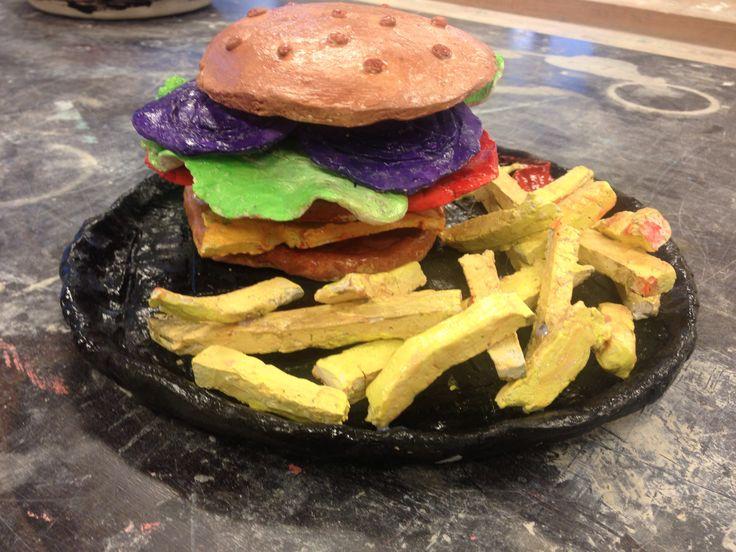 Broodje hamburger van klei. Vmbo2B