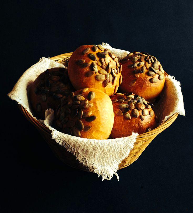Bułki paprykowe z pestkami dyni