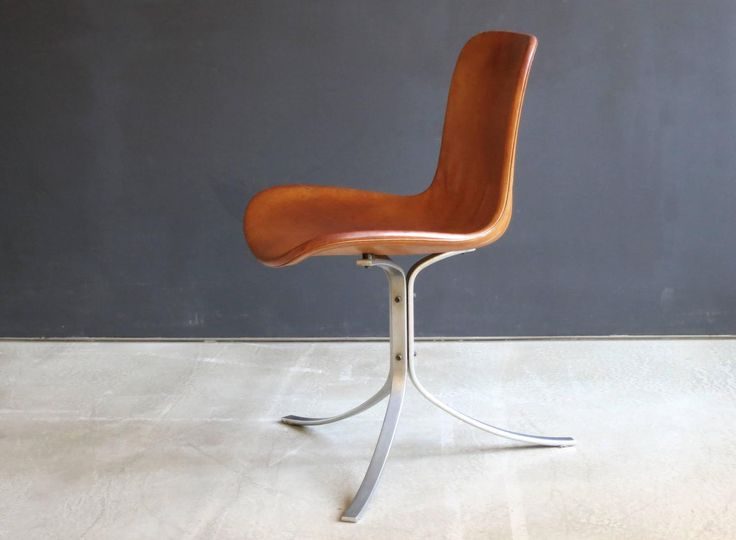 PK 9 Chair in Patinated Natural Saddle Leather by Poul Kjærholm 2