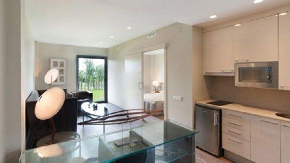 Disponemos de variedad de viviendas tuteladas para mayores de distintos tamaños, con una distribución que favorece la máxima comodidad de sus usuarios así como jardín o terraza para que disfruten de su tiempo al aire libre.  http://acomodare.com/apartamentos-asistidos/viviendas/