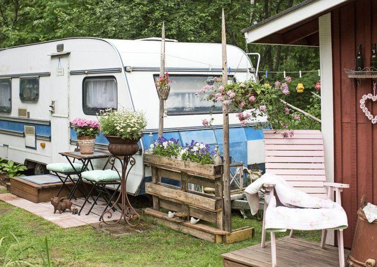 Asuntovaunu Taistola on itse suloisuus – ja mökkivieraiden unelma | Meillä kotona