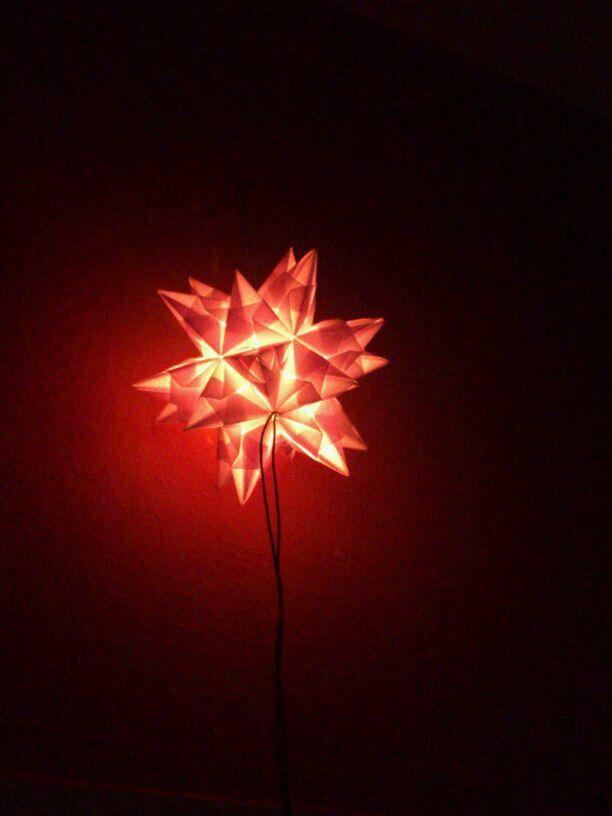 3D-Stern beleuchtet im dunkeln