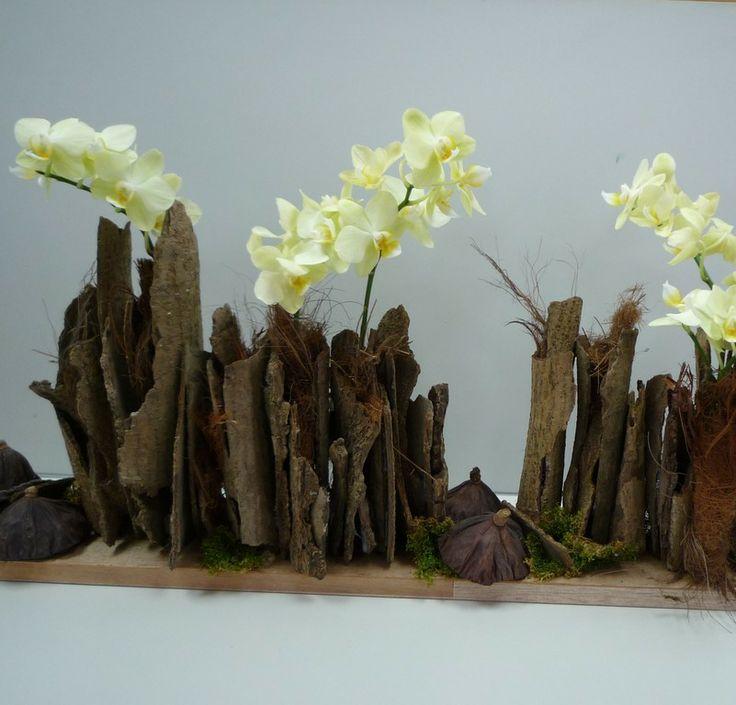 Flower Arrangement Using Driftwood: 17 Best Images About Bloemen 7 On Pinterest