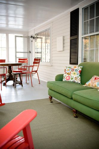 Porch eclectic porchGreen Couch, Lkm Design, Sunrooms, Sun Porches, Porches Enclos, Colors Mixed, Eclectic Porches, Living Room, Kelly Green