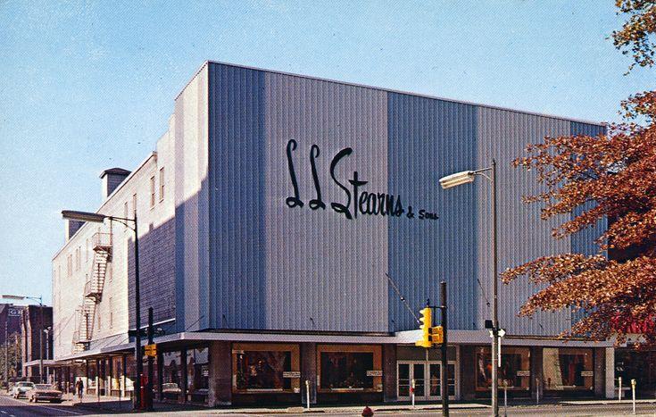 The largest department store in Williamsport, Pennsylvania