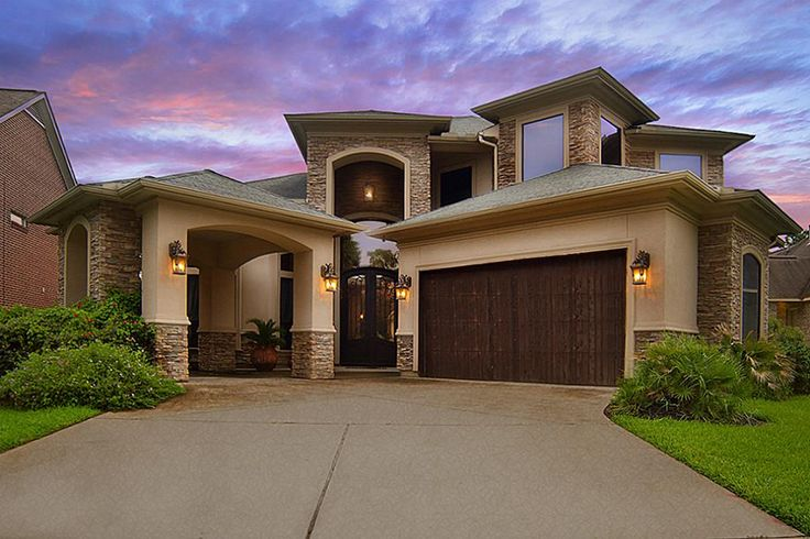 Capture Timeless Beauty in this LAKEFRONT Mediterranean Custom Built Masterpiece Situated on OPEN LAKE in Highly Desired Golf Course Community! Soaring Ceilings, Rod Iron Staircase, Colossal Grand Master Suite w/Steam Shower, Hollywood Jacuzzi Tub & Bidet, Open Gourmet Island Kitchen w/Exquisite Granite, Walls of Glass Overlook Lagoon Style Pool/Spa/Waterfall. Wake Up Each Day to Breathtaking …