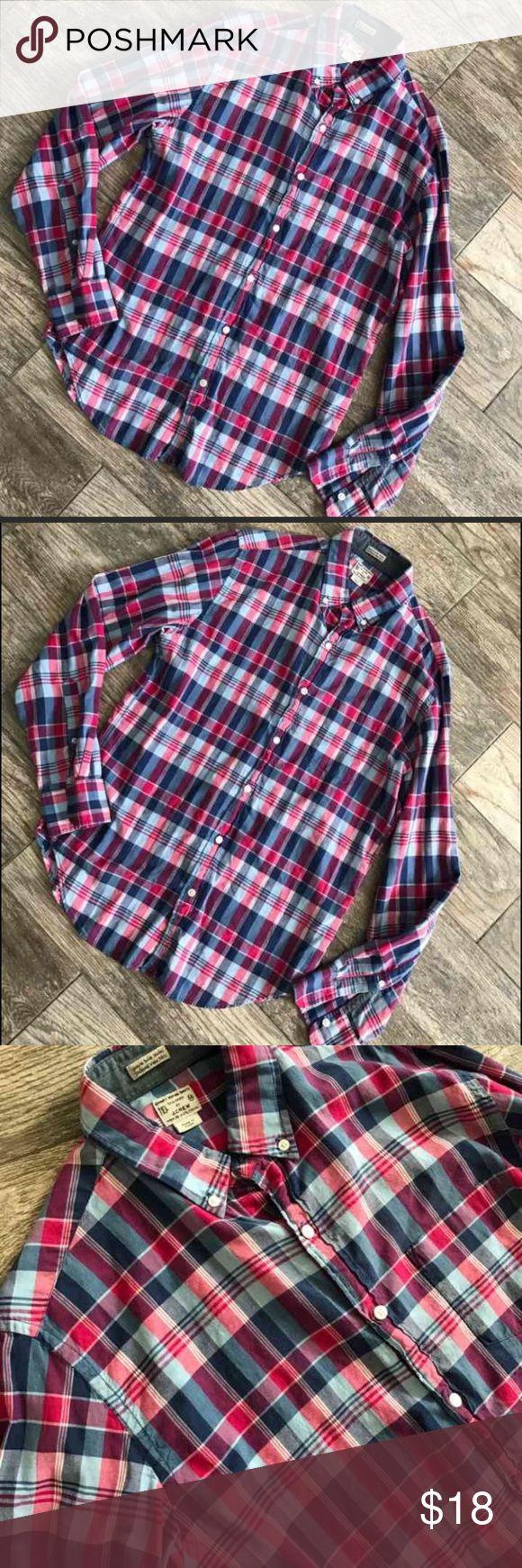 Men's J. Crew Long Sleeve Button Down Men's J. Crew Long Sleeve Button Down - 100% Cotton J. Crew Shirts Casual Button Down Shirts