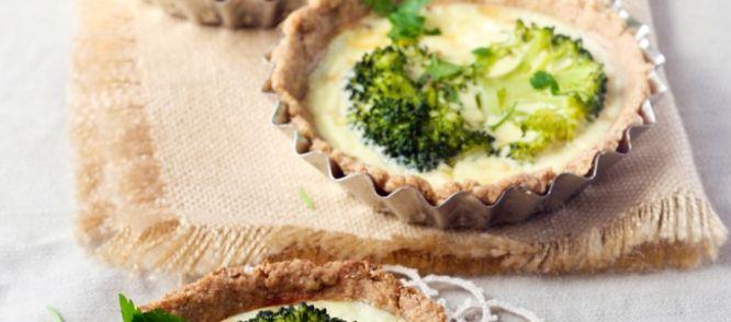 Hartige Broccoli Taartjes Met Gruyère recept | Smulweb.nl