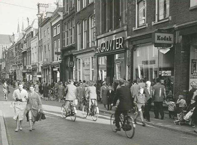 Delft, Oude Langendijk, De Gruyter (met het 'snoepje van de week' )