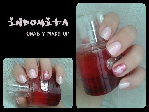 Uñas en rosa con corazon / pink nails with a heart