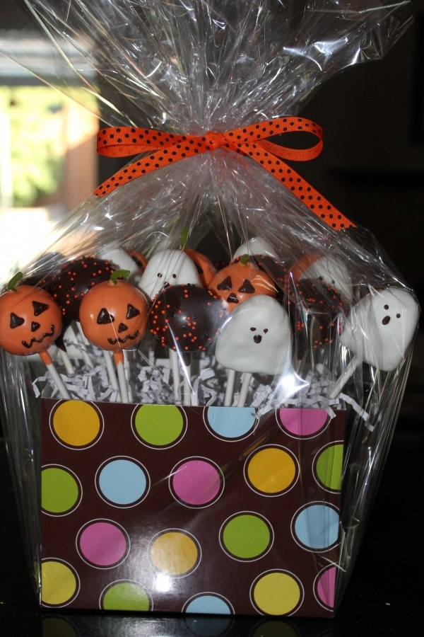 Halloween Cake Pop Decorating Ideas : 13 best images about Cake Pops on Pinterest Cute cakes ...