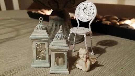 Miniature lanterns
