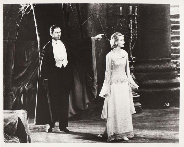 Bela Lugosi and Helen Chandler-DRACULA (1931) click to enlarge