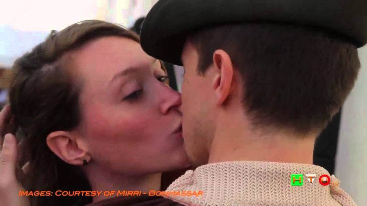 Un bacio d'arrivederci: il flash mob ispirato ad Hayez ad Expo Milano 20...