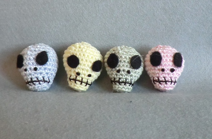Free Amigurumi Skull Pattern : 1000+ images about Amigurumi on Pinterest