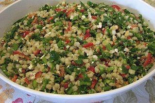 Buğday salatası http://www.lezzetliyemeklerperisi.com/salatalar/bugday-salatasi-tarifi.html