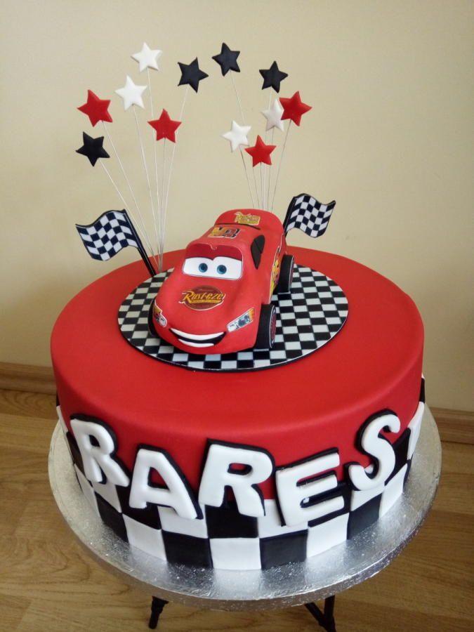 Birthday cake by Gabriela Doroghy