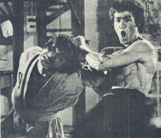 Bruce Lee vs Jackie Chan | jackie chan e bruce lee em fist ...