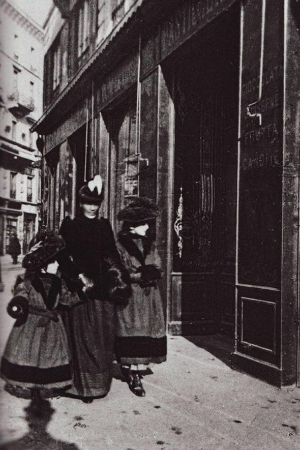 Pasticceria Marchesi on Corso Magenta, Milano, from Milano: Fotografie (1965-1915).