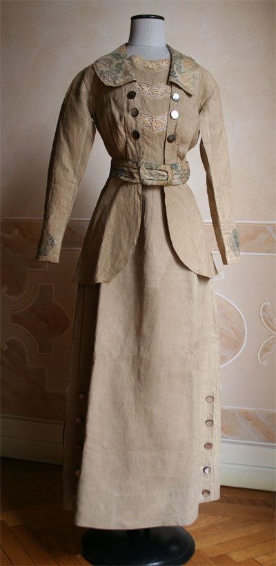 ๑ Nineteen Fourteen ๑ historical happenings, fashion, art & style from a century ago - Linen suit with patterned collar, 1914