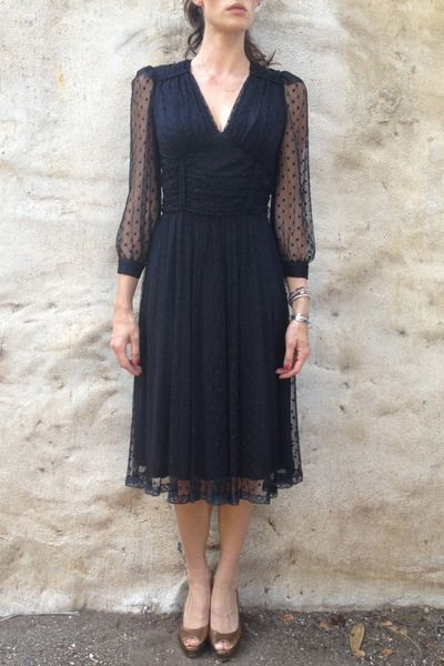 Vintage Black Dress people should get more vintage clothes it always comes back!