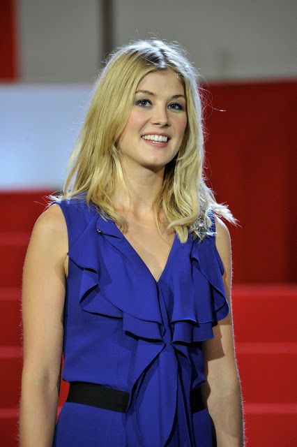 Rosamund Pike Awesome Profile Pics http://ift.tt/2tQ9j8R