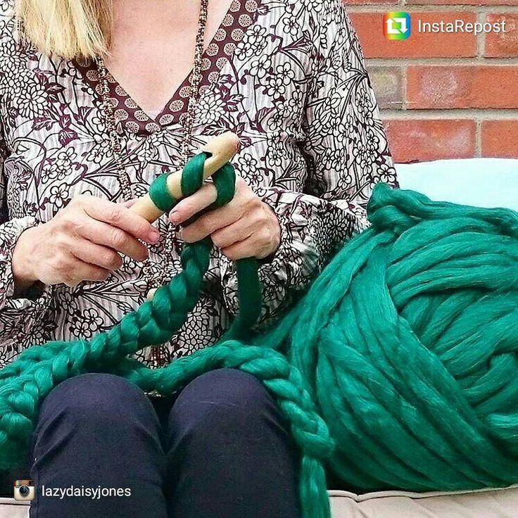 Mammoth yarn  in forest green