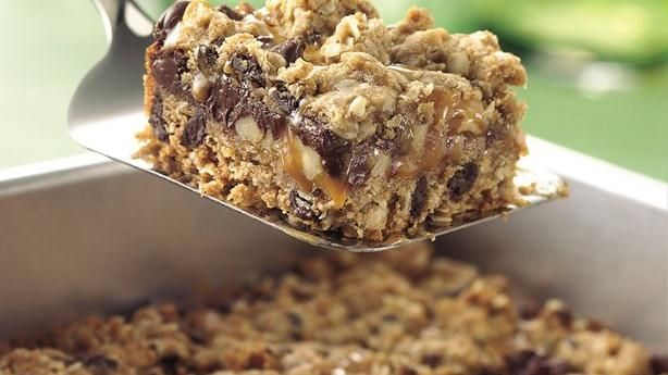 Chocolate Chip, Oats and Caramel Cookie Squares