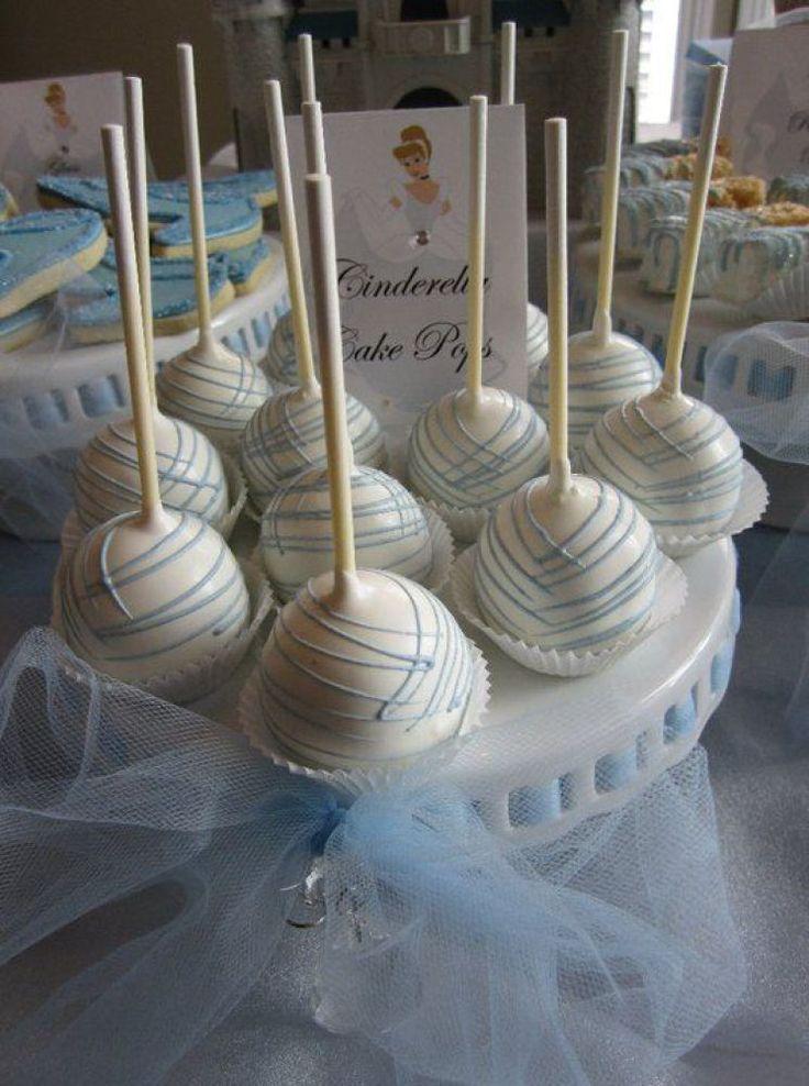 Plan a Cinderella Themed Quinceañera