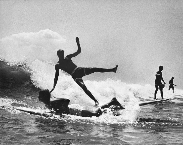 photo essay on surfing Gwyn was britain's first competitive female surfing champion and has been surfing since her the guardian picture essay britain's silver surfer – a photo essay.