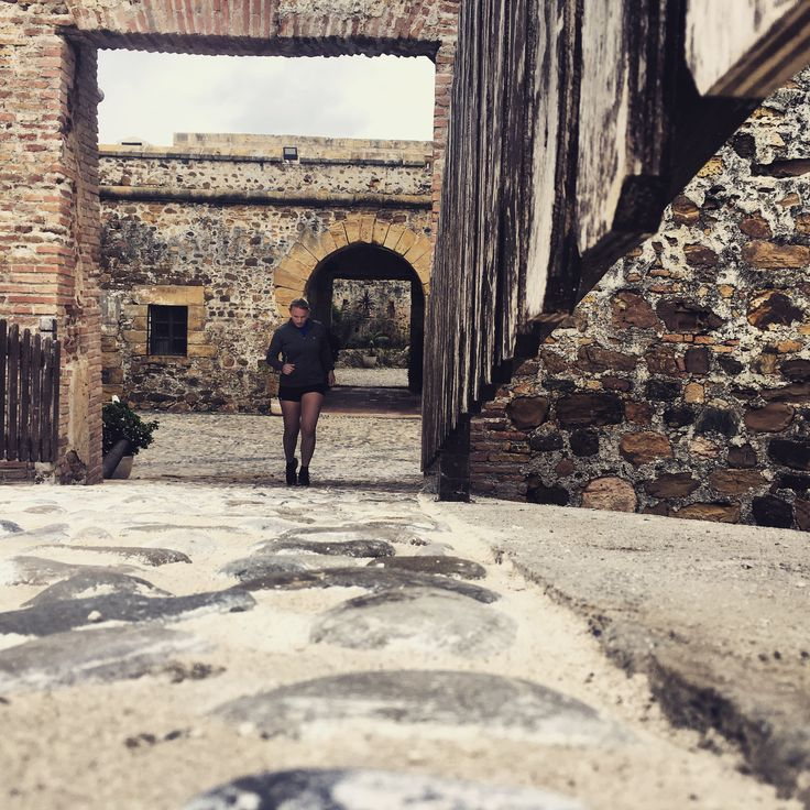 En zo ren je ineens over de binnenplaats van een Spaans kasteel... Femke was afgelopen februari in Zuid-Spanje. Benieuwd naar haar verhaal?