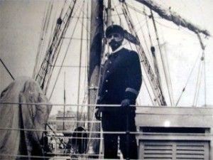 Le commandant Jean-Baptiste Charcot, fut un médecin, et explorateur des zones polaires. Né à Neuilly sur Seine en 1867, il est le fils du célèbre médecin Jean Martin Charcot, connu pour ses Leçons à la Salpêtrière et initiateur de la neuropathologie....