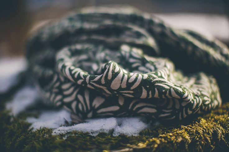 lovaloom Petalon Moss Wrap (viscose, linen, seaweed)
