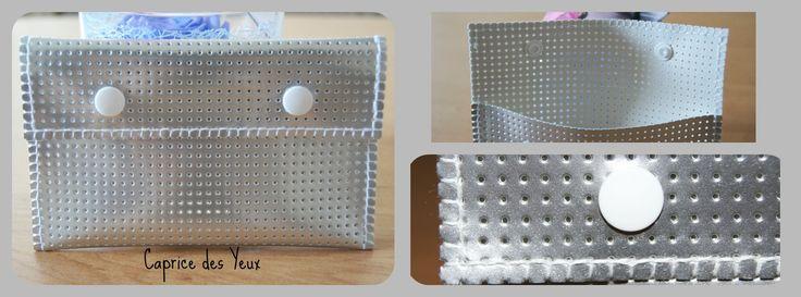 Pochette en vinyle laqué perforé 9cm * 15cm : Autres sacs par caprice-des-yeux