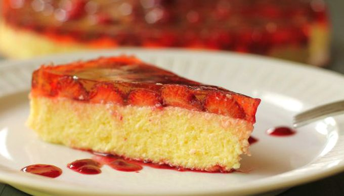 moksha.hu | Hűs nyári édesség: sütés nélküli epres túrótorta | http://www.moksha.hu